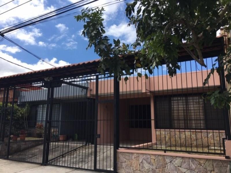 2050 Alquilo Casa en La Uruca