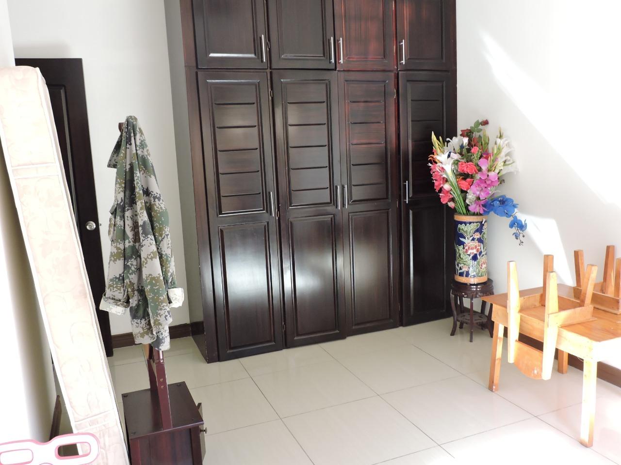 2048 Alquilo en Rohrmoser Casa Independiente de uso Residencial