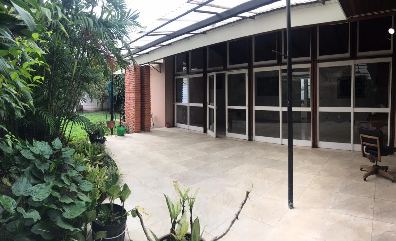#2101 Alquilo Casa de Una Planta de Uso Comercial en Sabana Sur