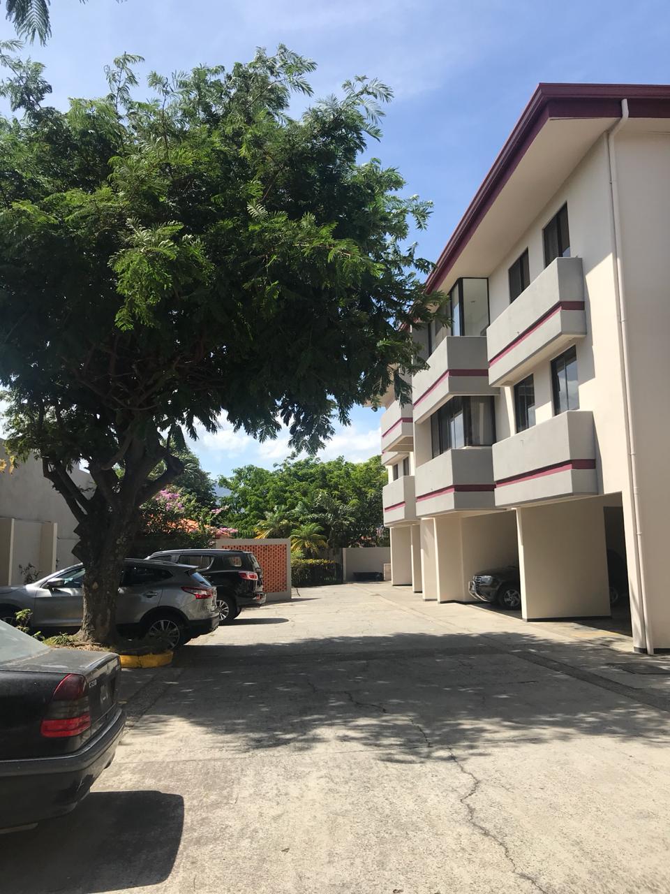 #2201 Alquilo apartamento cerca del Hospital México