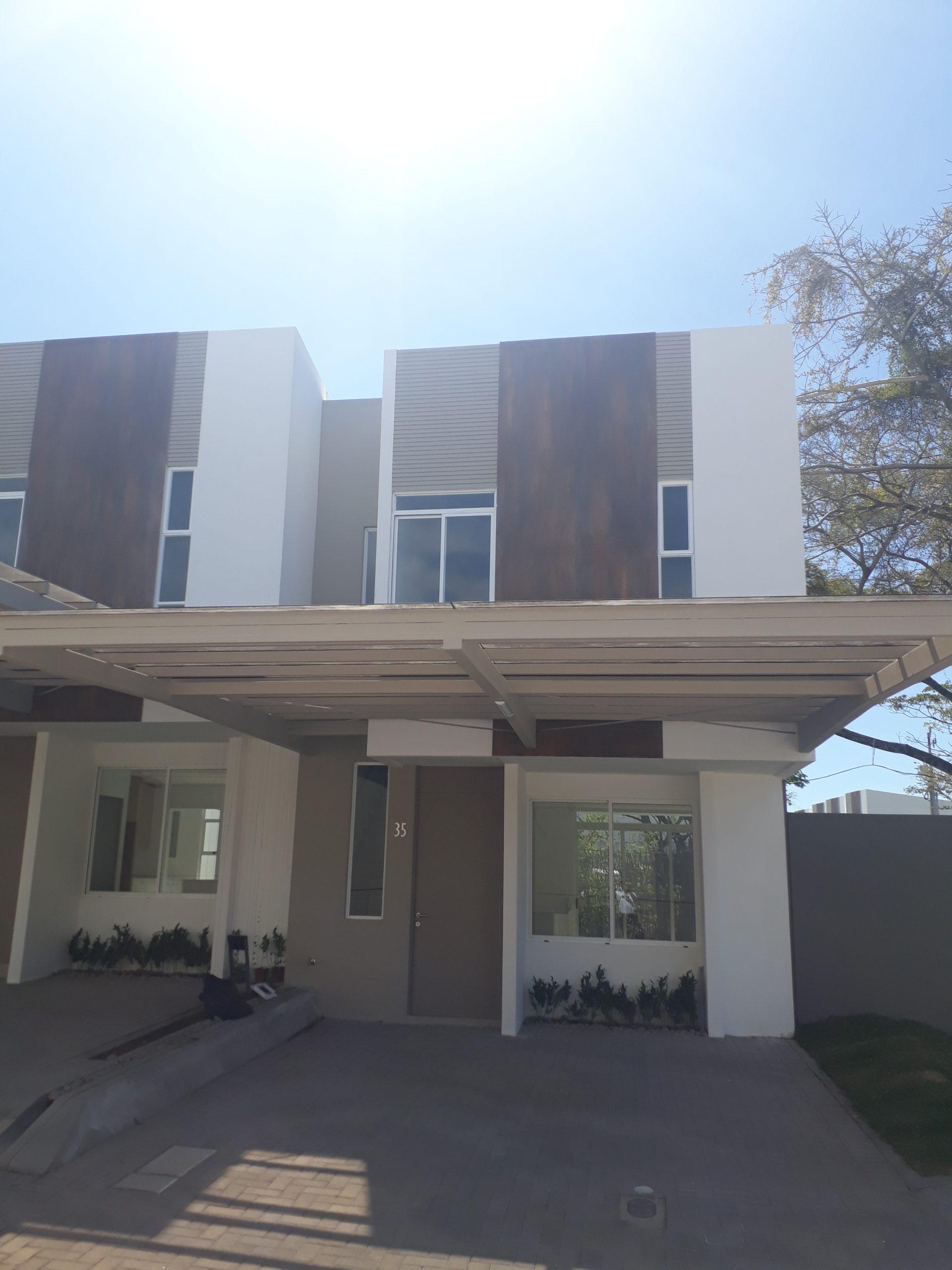 #2192 Casas en Condominio en Pozos de Santa Ana, Financiadas.
