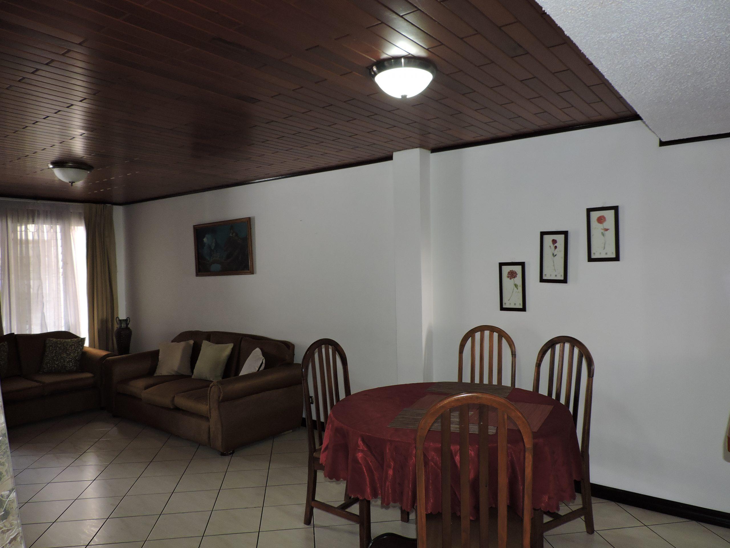 2178 Se aluila apartamento en Rohrmoser con o sin muebles