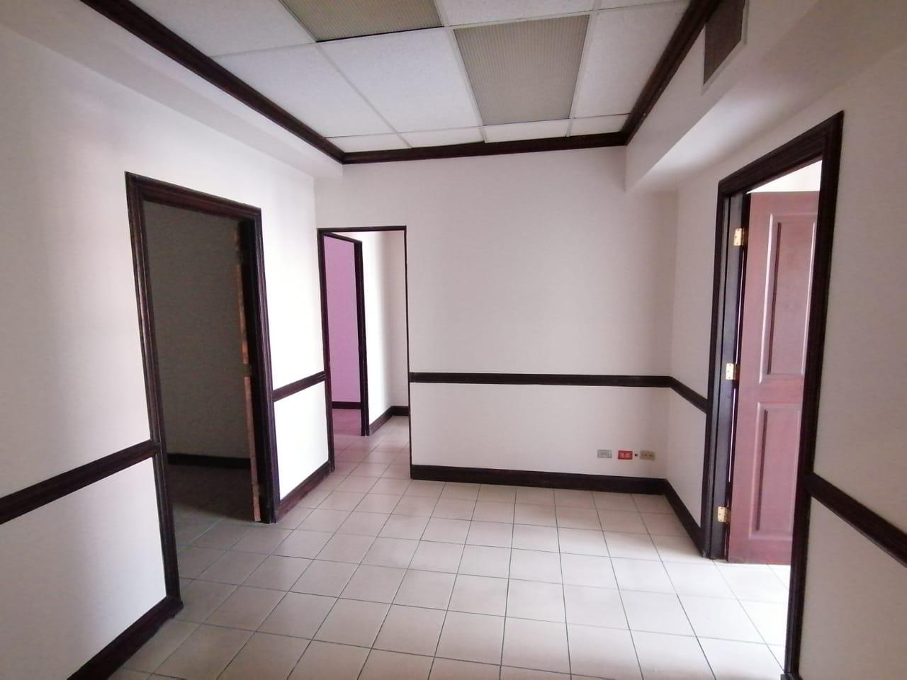#2221 Alquiler oficinas en San José con Parqueo