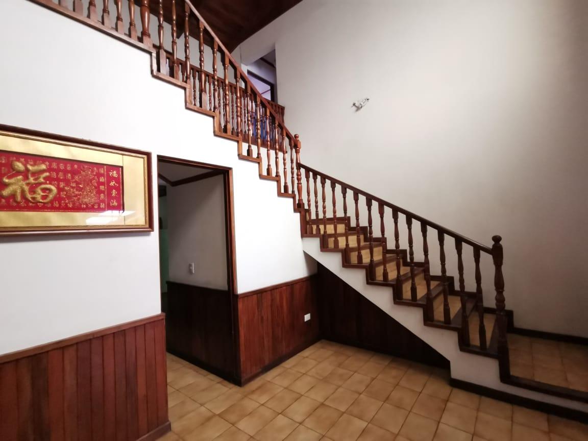 2961 Se Alquila Casa independiente en Rohrmoser cerca del AID