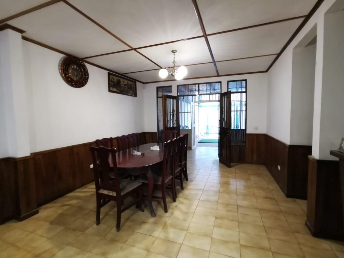 #2215 En Venta casa en Rohrmoser cerca del antiguo AID