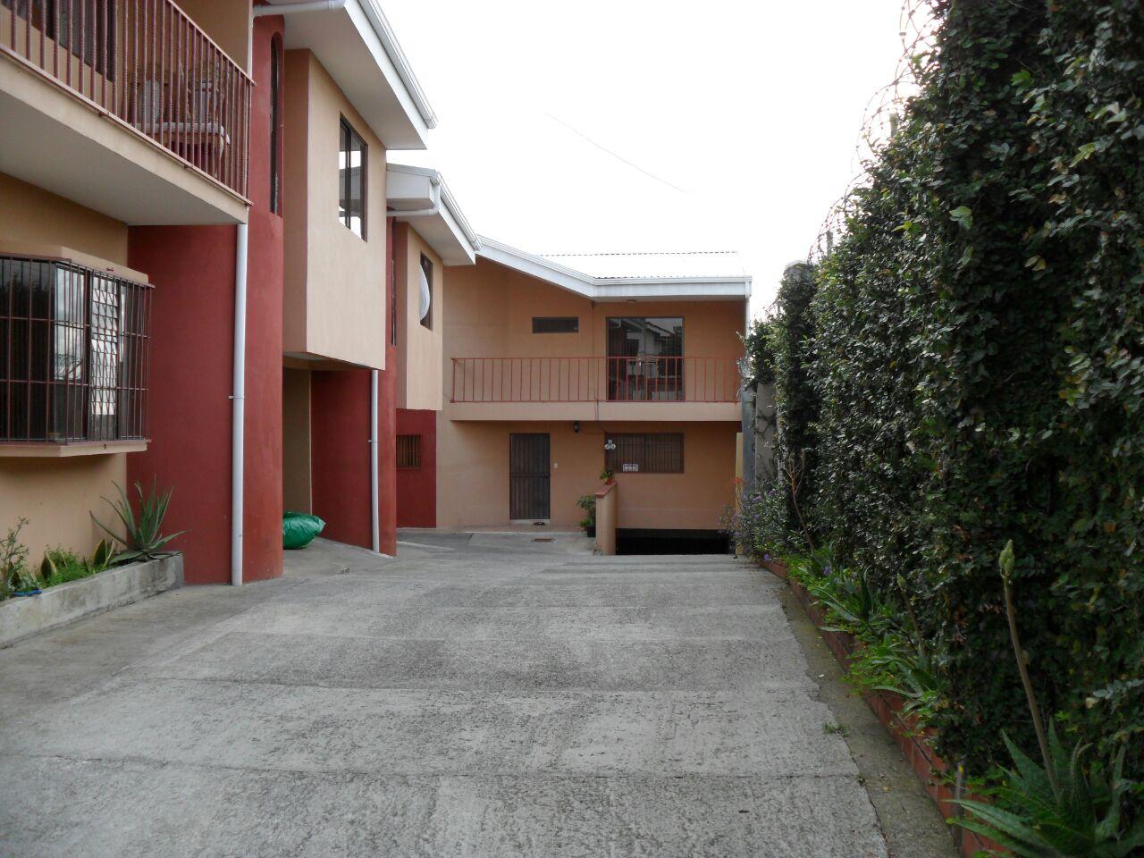 #2166 Alquilo bello apartamento en La Uruca