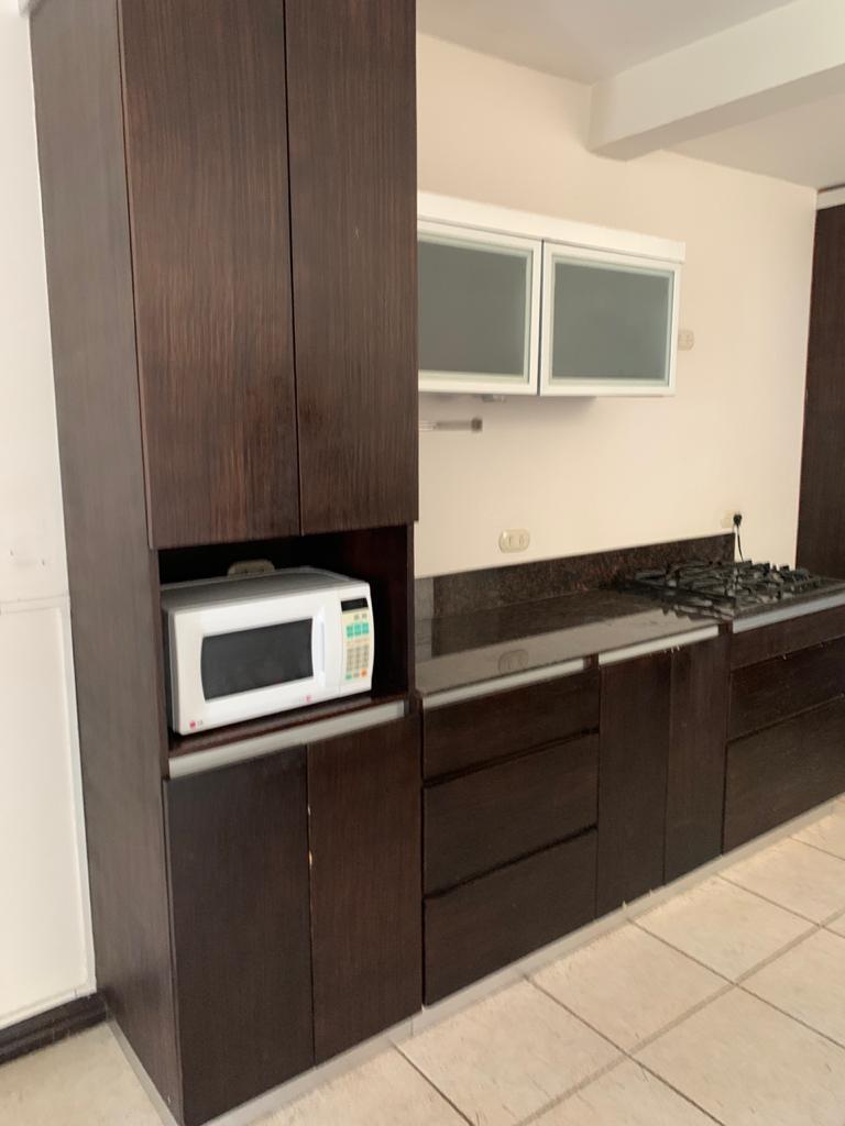 #2188 Alquilo bello apartamento en Escazú