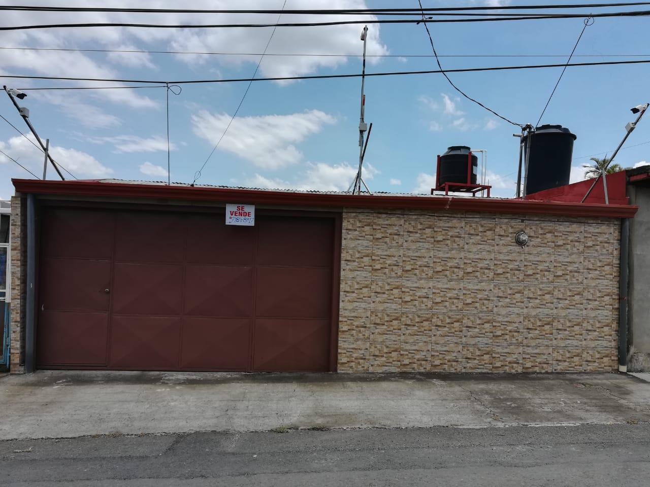 2287 Vendo casa de una planta  + apartamento en San Joaquín