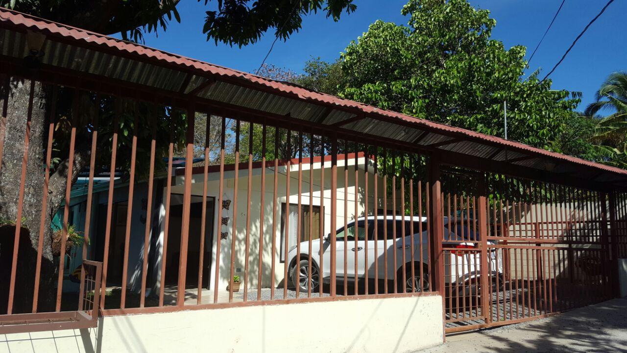 2290 Casa en Venta, una planta,  Pozos Santa Ana
