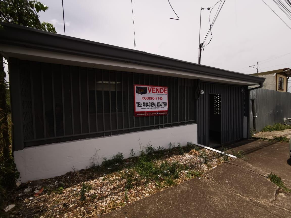700 Casa de una planta Uso Mixto en Santo Domingo