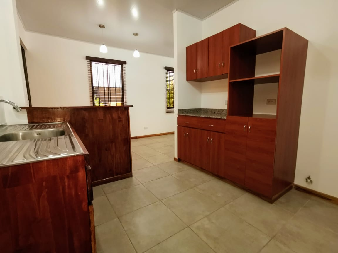 2343 Apartamento de dos niveles en Rohrmoser