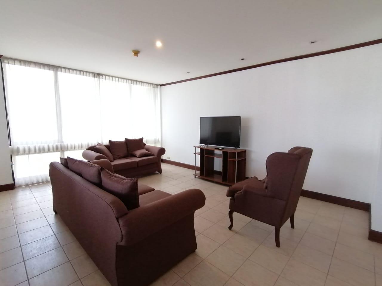 2340 Se Alquila apartamento con o sin muebles en Rohrmoser