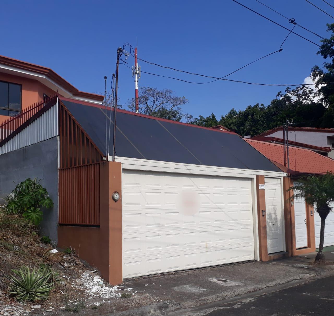 2324 Se Vende o Alquila Casa en Santa Ana