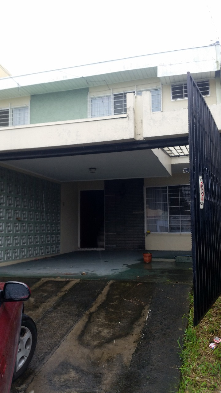2365 Apartamento en Sabana Sur, Dos Niveles