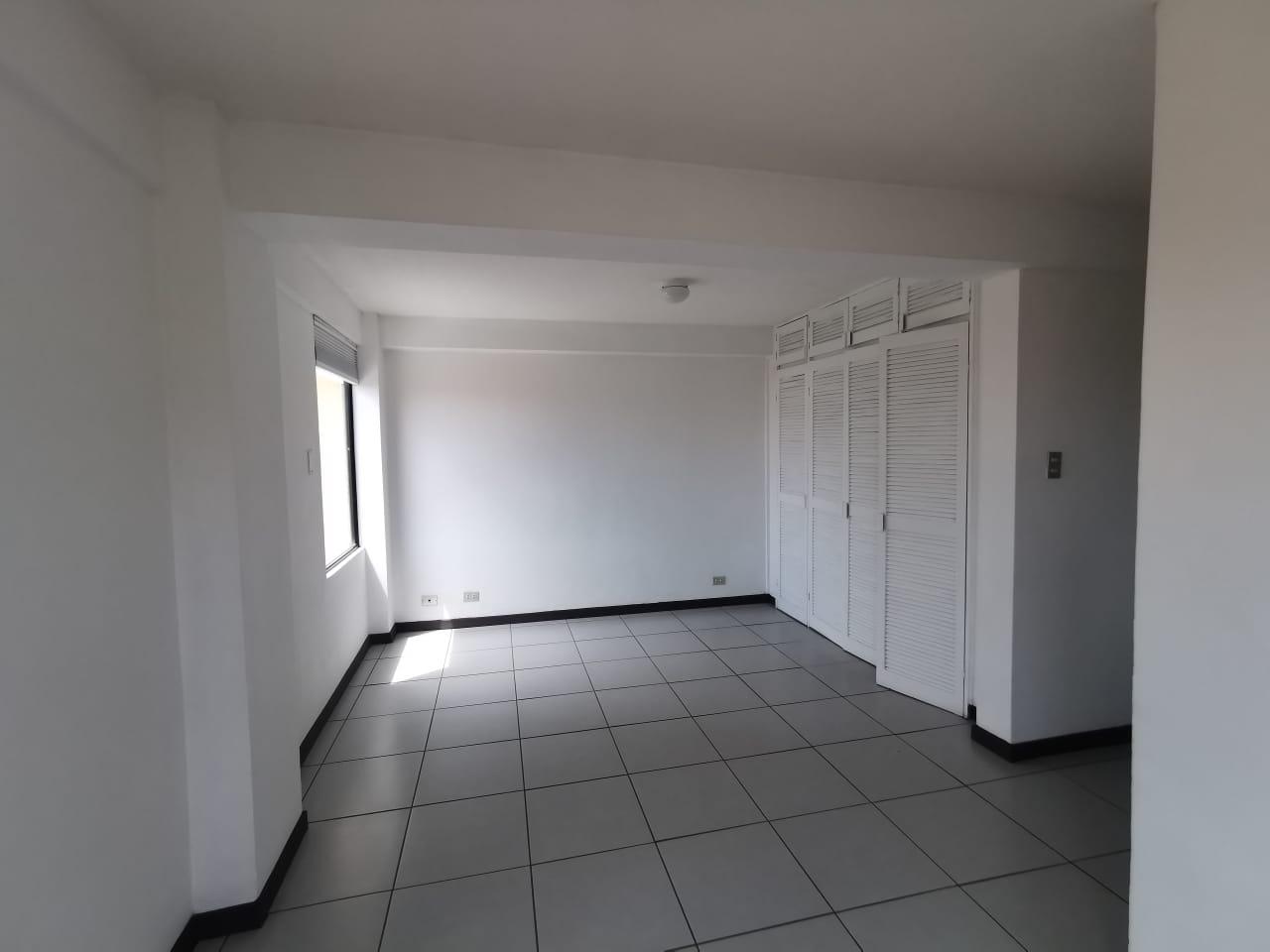 2322 Se alquila apartamento en Trejos Montealegre.