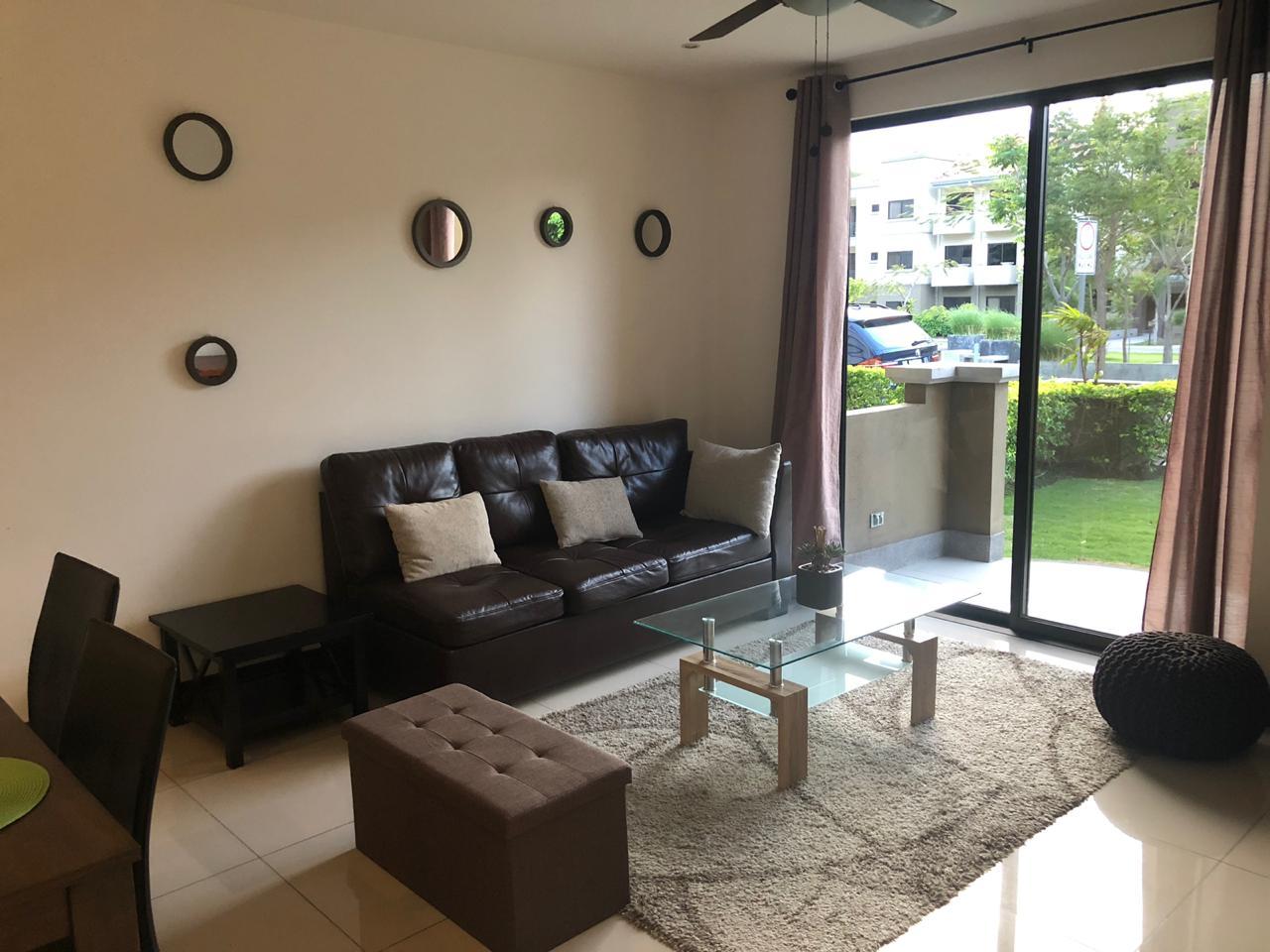 2451 Apartamento con muebles,  dentro de Condominio, Santa Ana