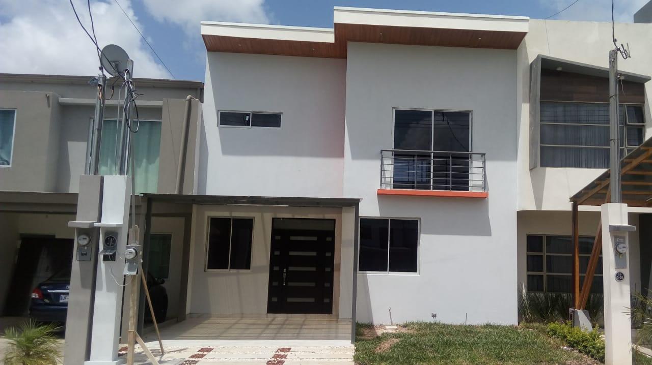 2391 Se vende Casa dentro de condominio muy seguro en Cartago
