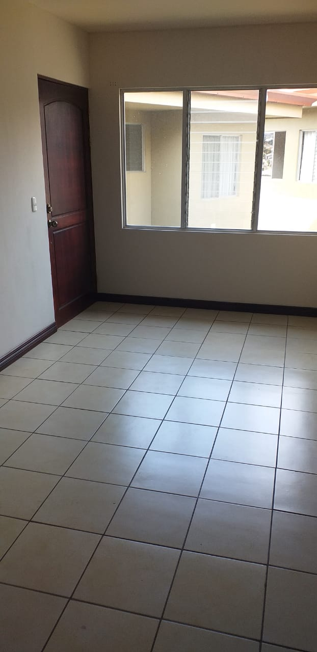 2493 Se Alquila Apartamento de 2 habitaciones en Rohrmoser