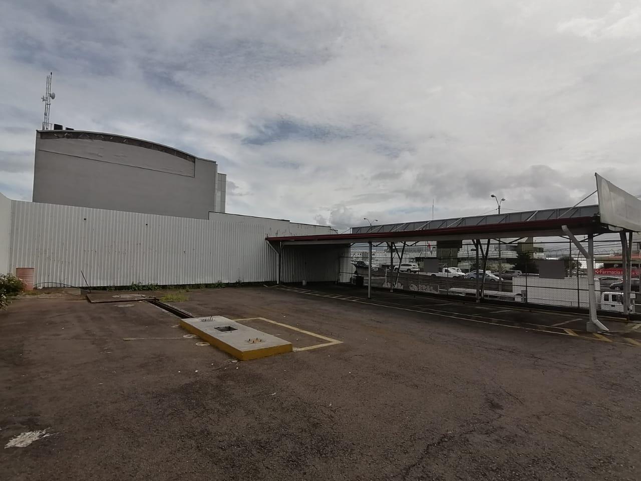2474 For Rent commercial property Excellent Exposure in La Uruca