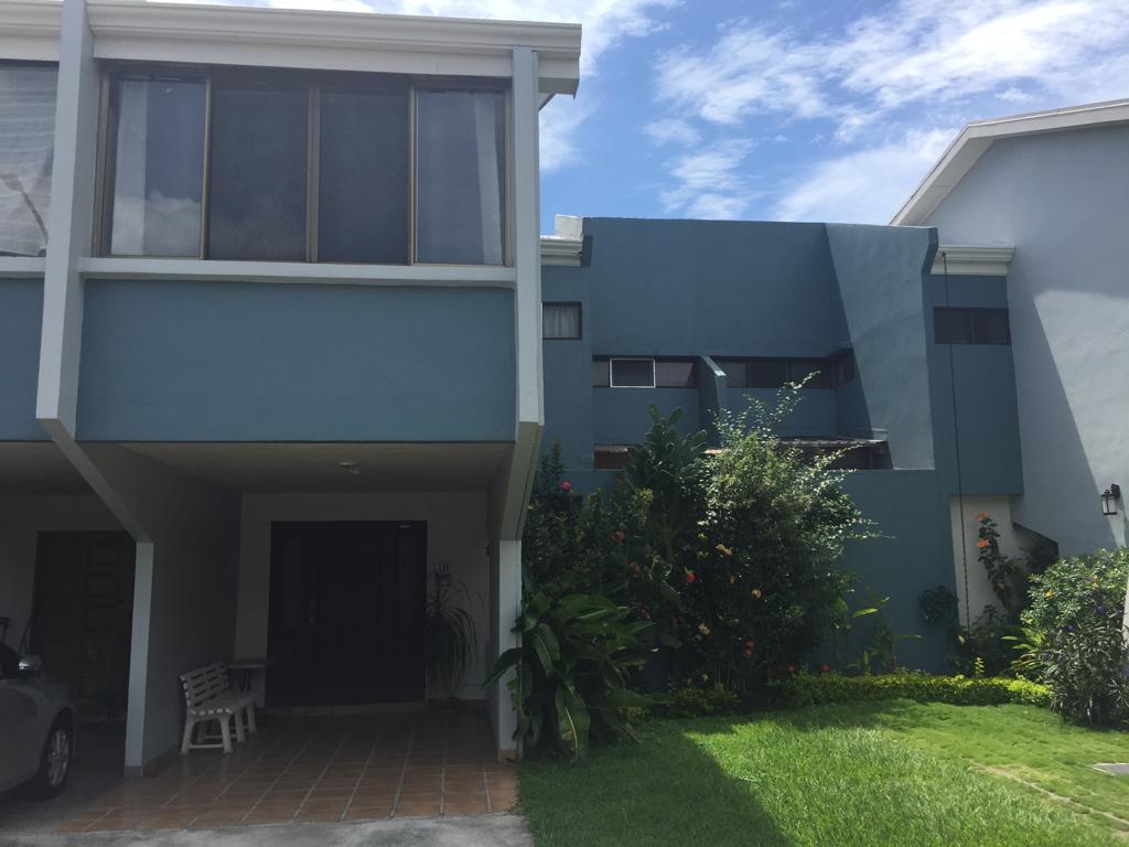 2477 Se Vende Condominio en La Uruca / Excelente ubicación