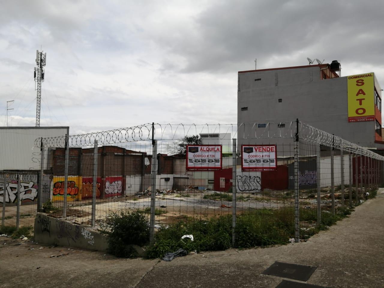 726 Se Alquila Lote comercial esquinero en San José