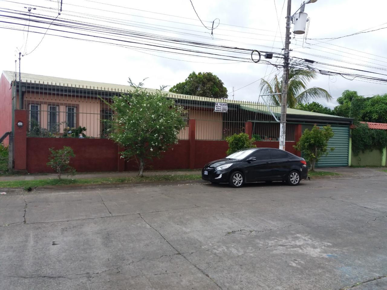 2460 Se vende Casa en San Pablo de Heredia una planta