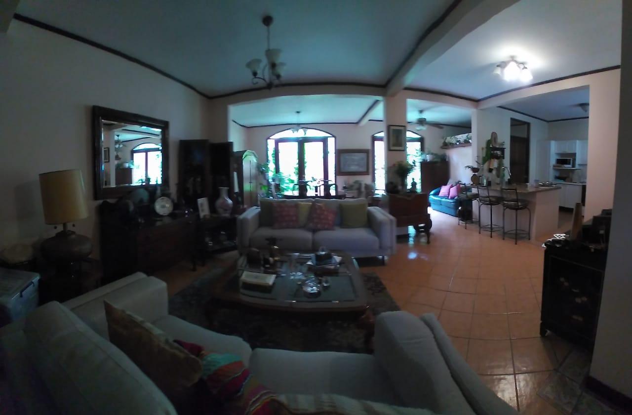 2542 Casa en Condominio Exclusivo Escazú