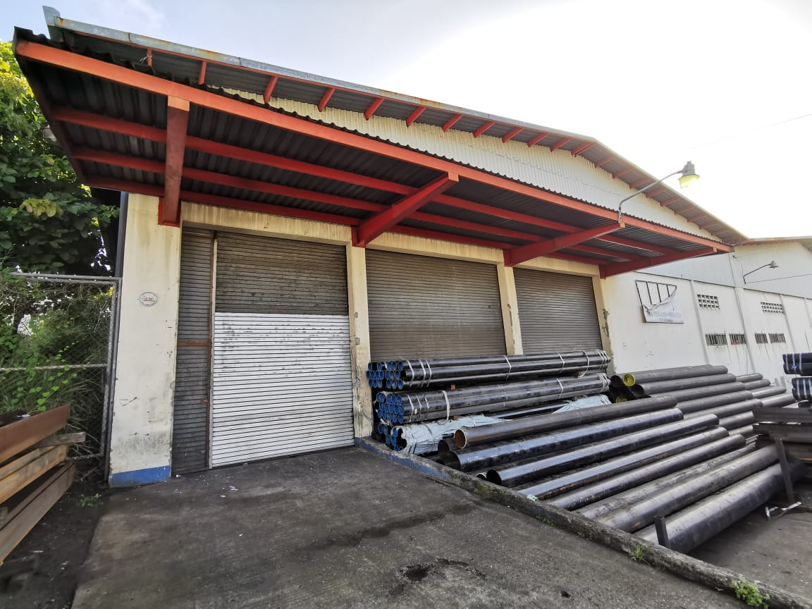 2530 Bodega Industrial en Barreal de Heredia