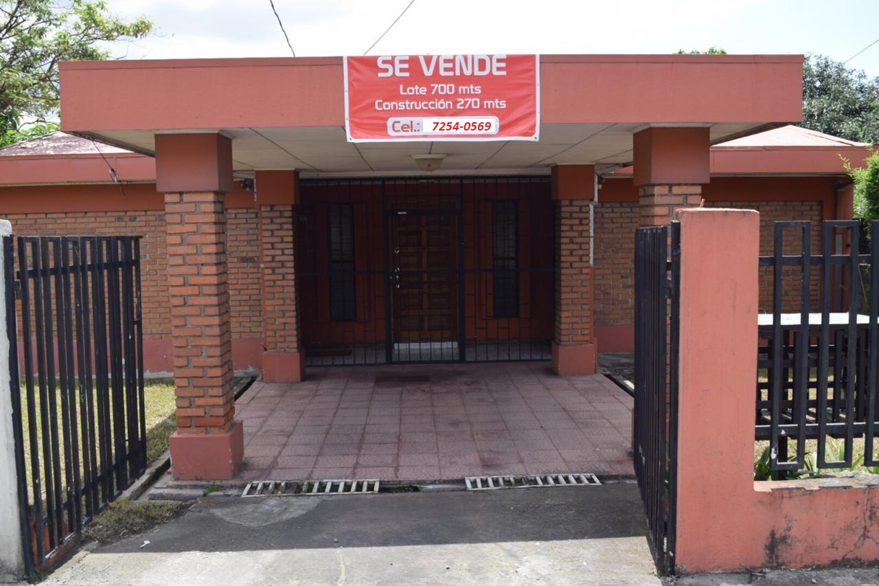 2540 Se vende magnifica casa en Desamparados.