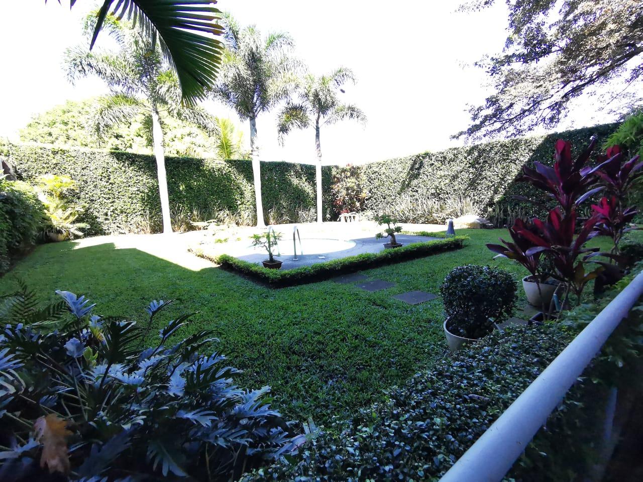 2579 Se alquila linda casa independiente en Belén. En Residencial Bosques de Doña Rosa