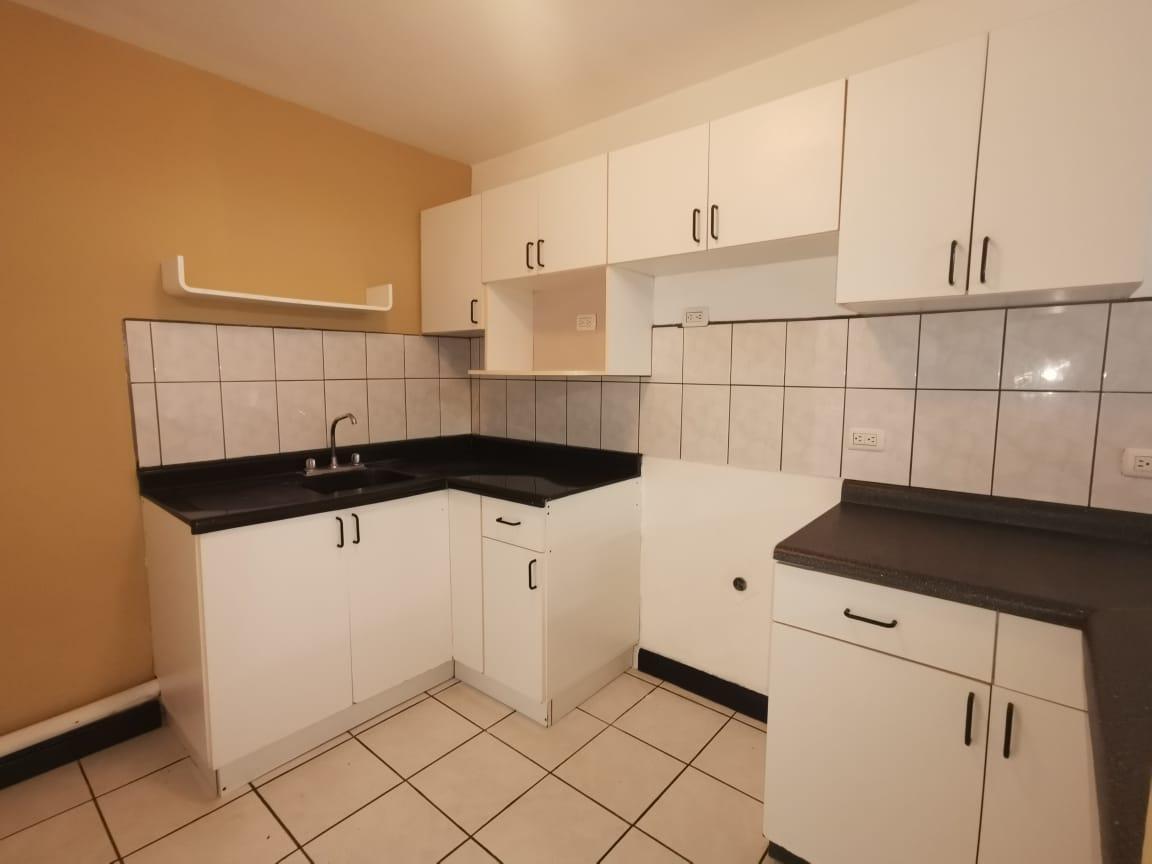 2552  Apartamento en la uruca