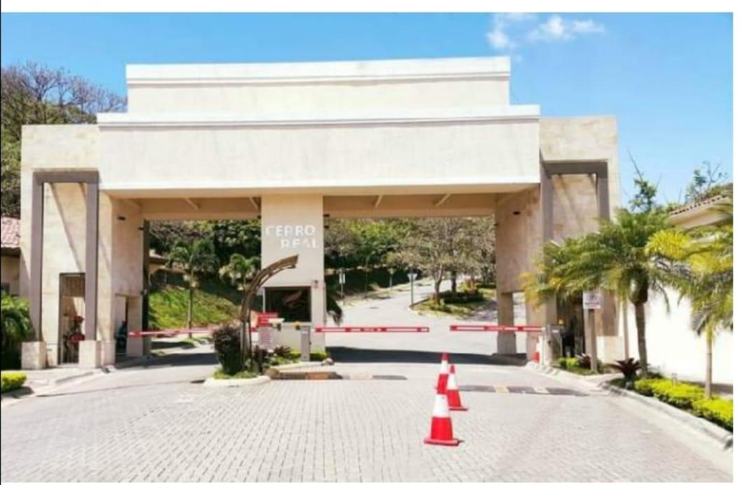 2586 Se vende lote en Condominio Cerro Real Escazu