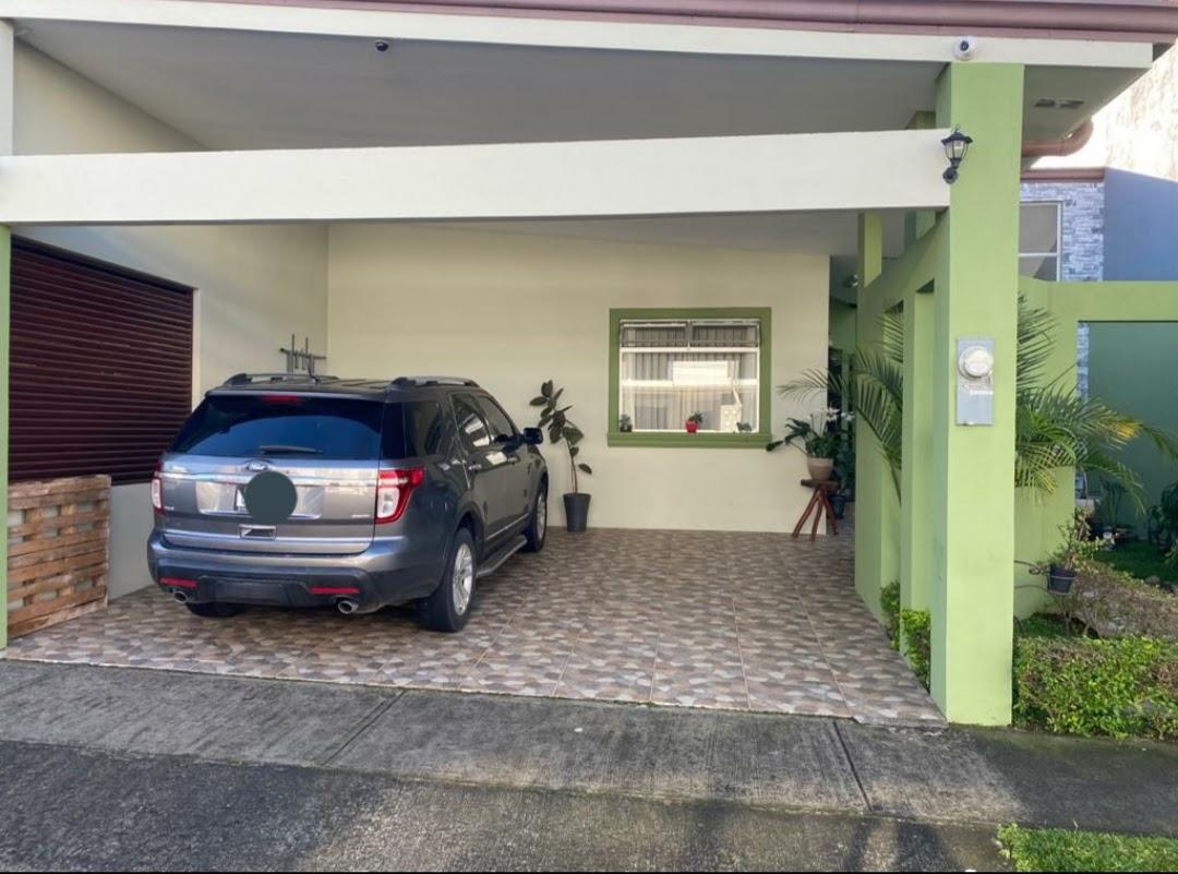 2580 Se Vende casa en condominio en Tres Ríos