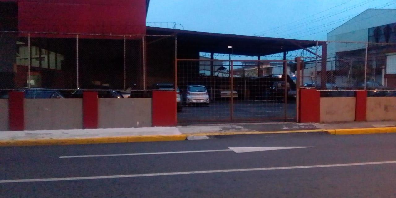 2598 Se Alquila Propiedad Comercial con 3 frentes en avenida 6 y avenida 10, San José