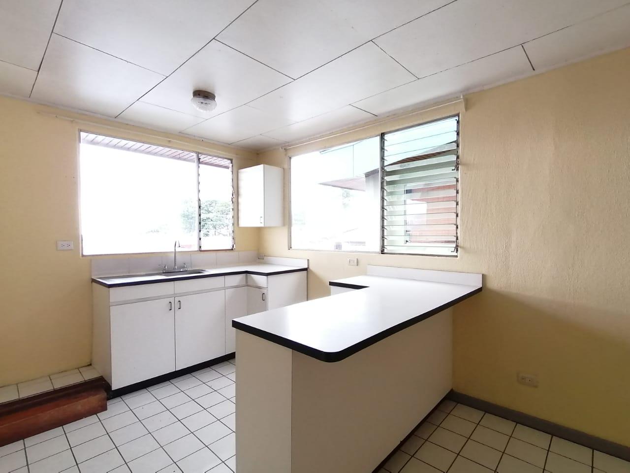 2630 Se Alquila apartamento dentro de condominio en Curridabat