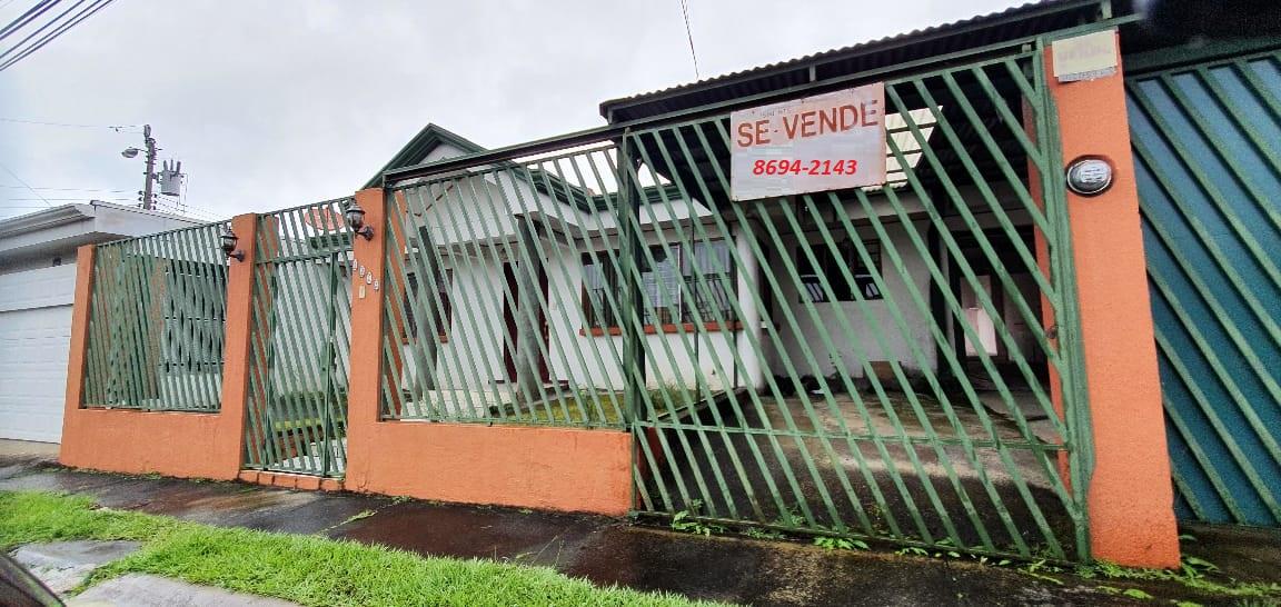 2637 Se vende casa en San Pablo de Heredia dentro de residencial.