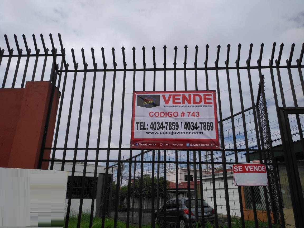 743 Se vende lote en San Pablo de Heredia.