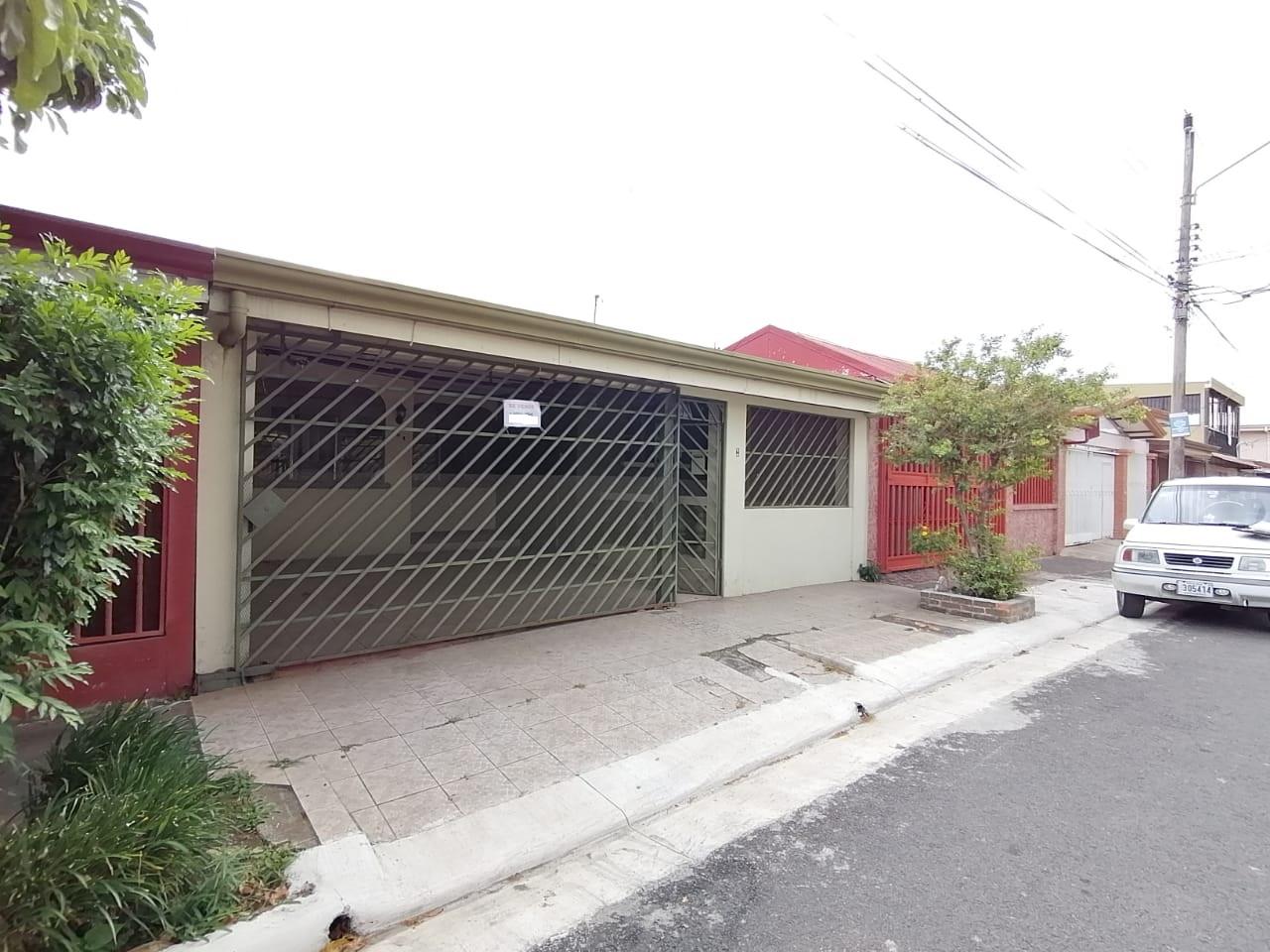 2651 Se vende casa en residencial de San Francisco de Heredia.
