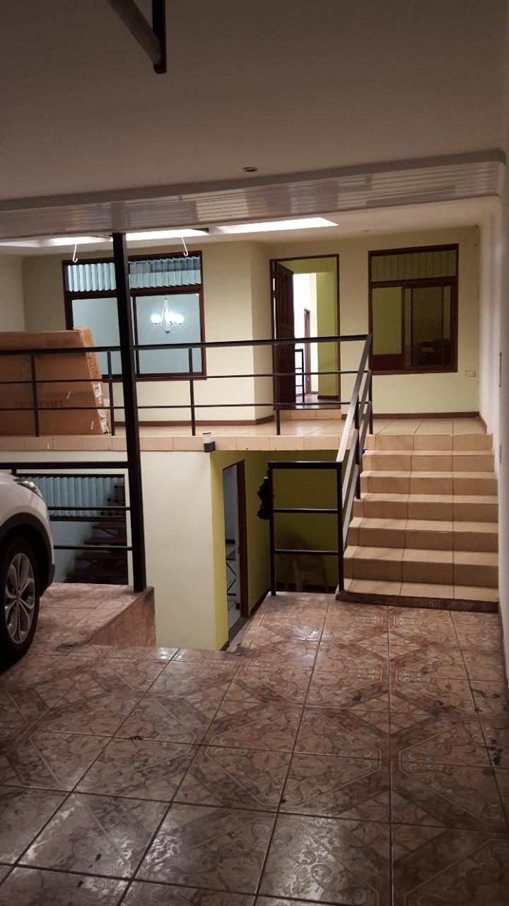 2675 Se vende casa en Escazú.