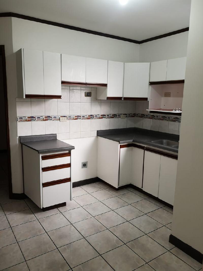 #2708 Se Alquila Apartamento en los Yoses.