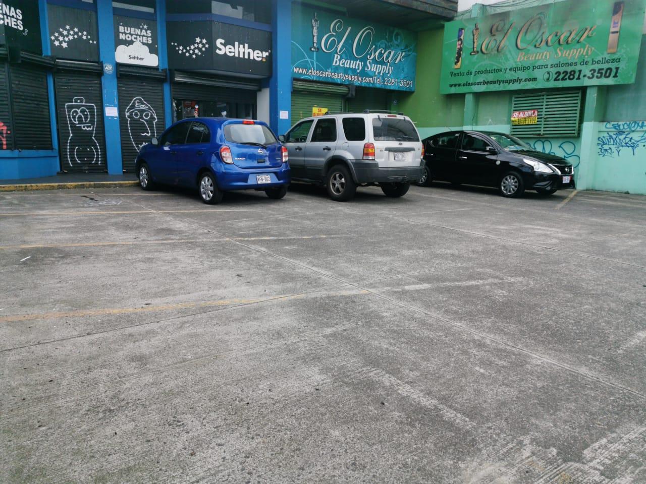 2791 Alquilo Bodega independiente en San Pedro. Alto tránsito vehicular y peatonal