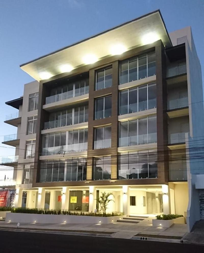 2724# Se Vende  Se alquila Apartamento en condominio ubicado en Curridabat.
