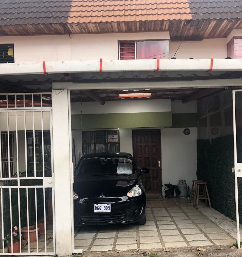 # 2732 Se Vende casa en  Residencial  Sabanilla