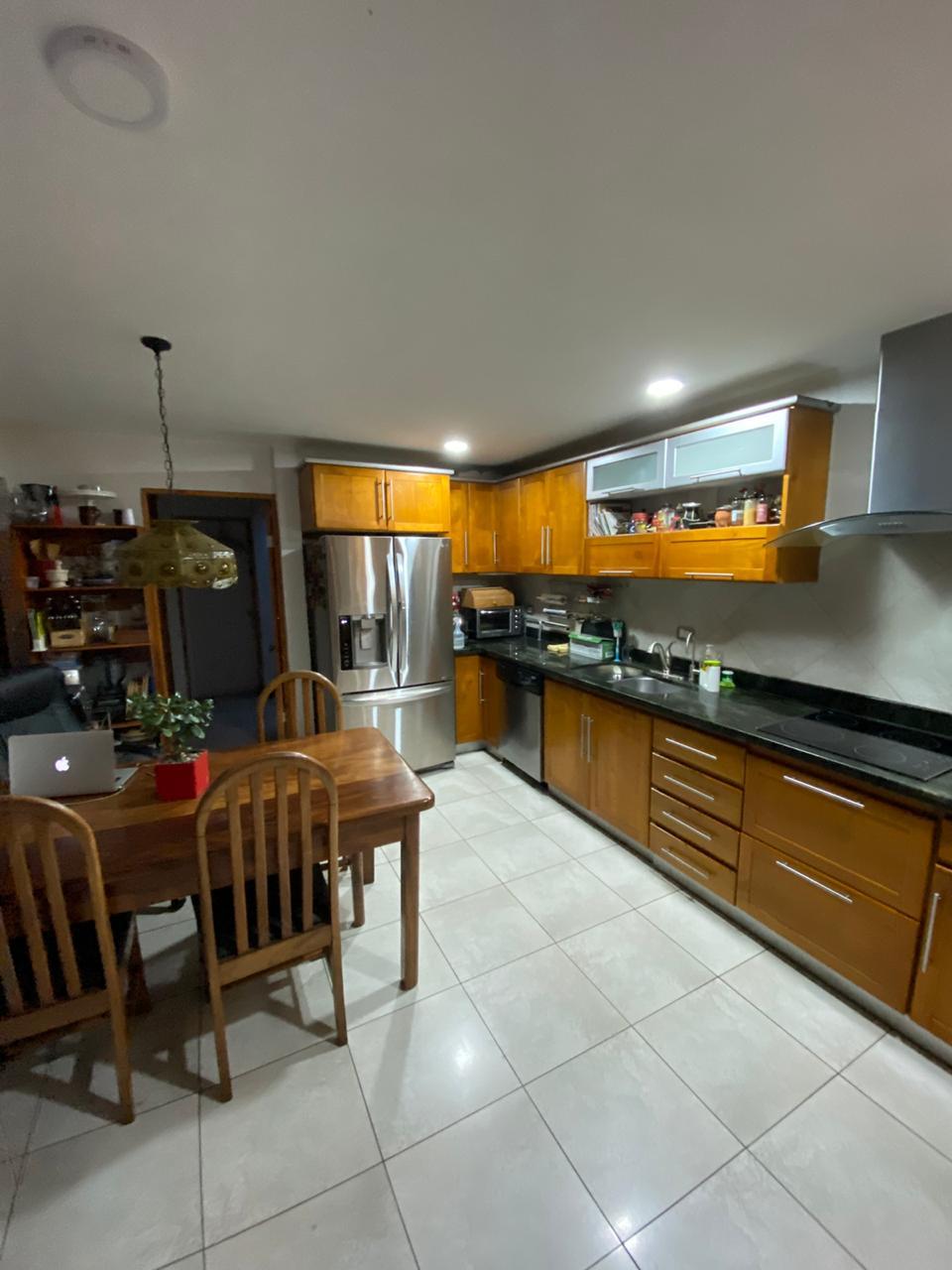#2757 Se Vende Casa con Apartamento en Curridabat