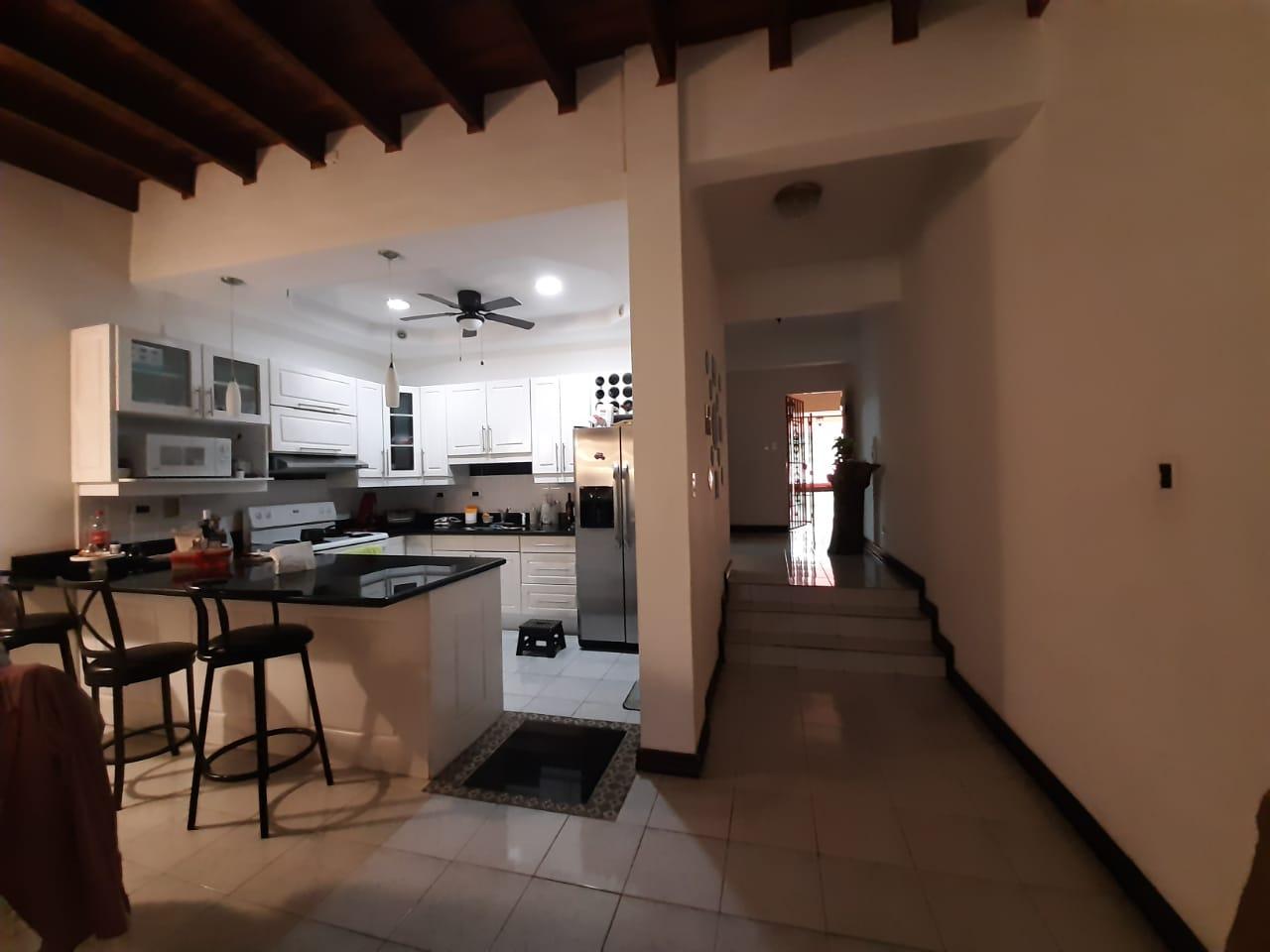 2741 Se vende casa en Cariari
