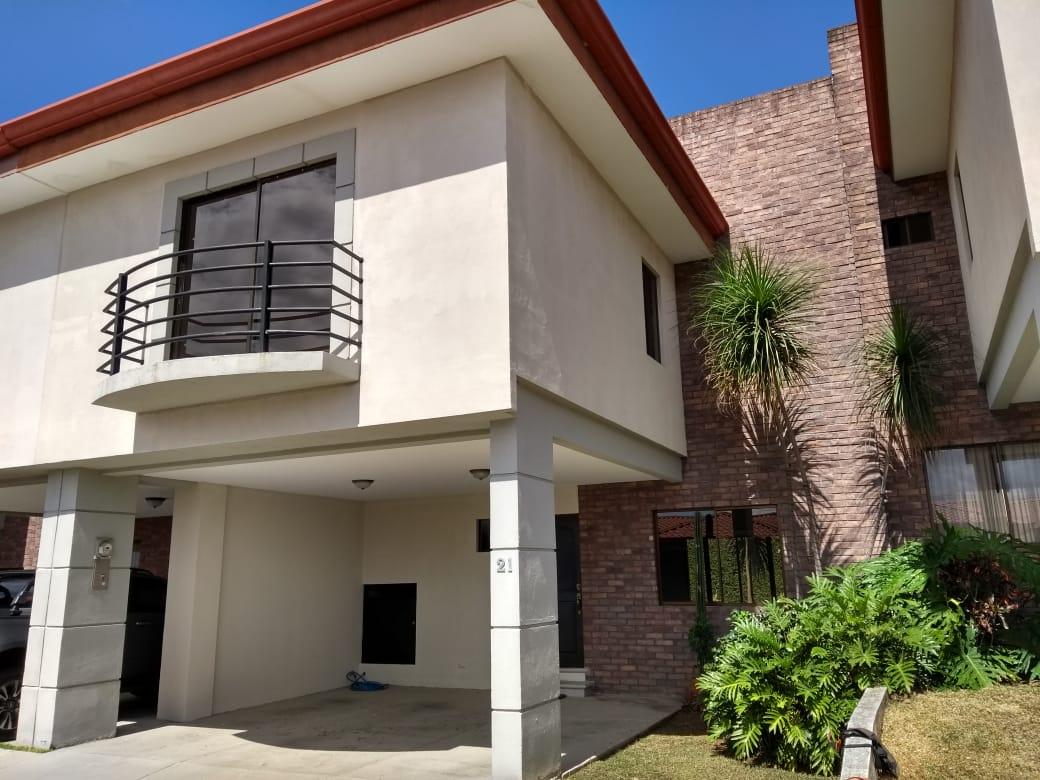 2765 Se vende casa en San pablo de Heredia