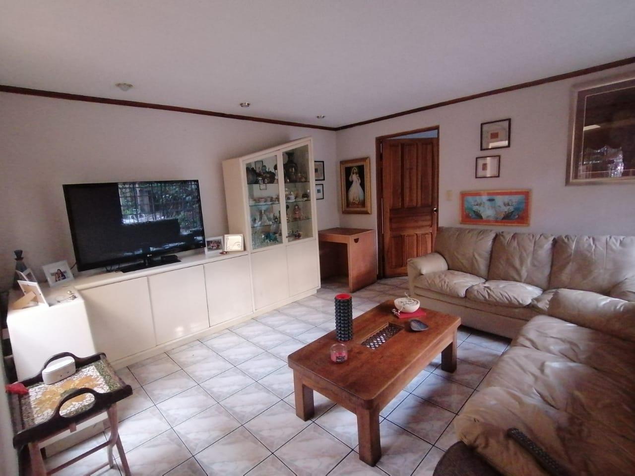 744 Se Vende Casa independiente en Sabana Oeste con uso Mixto