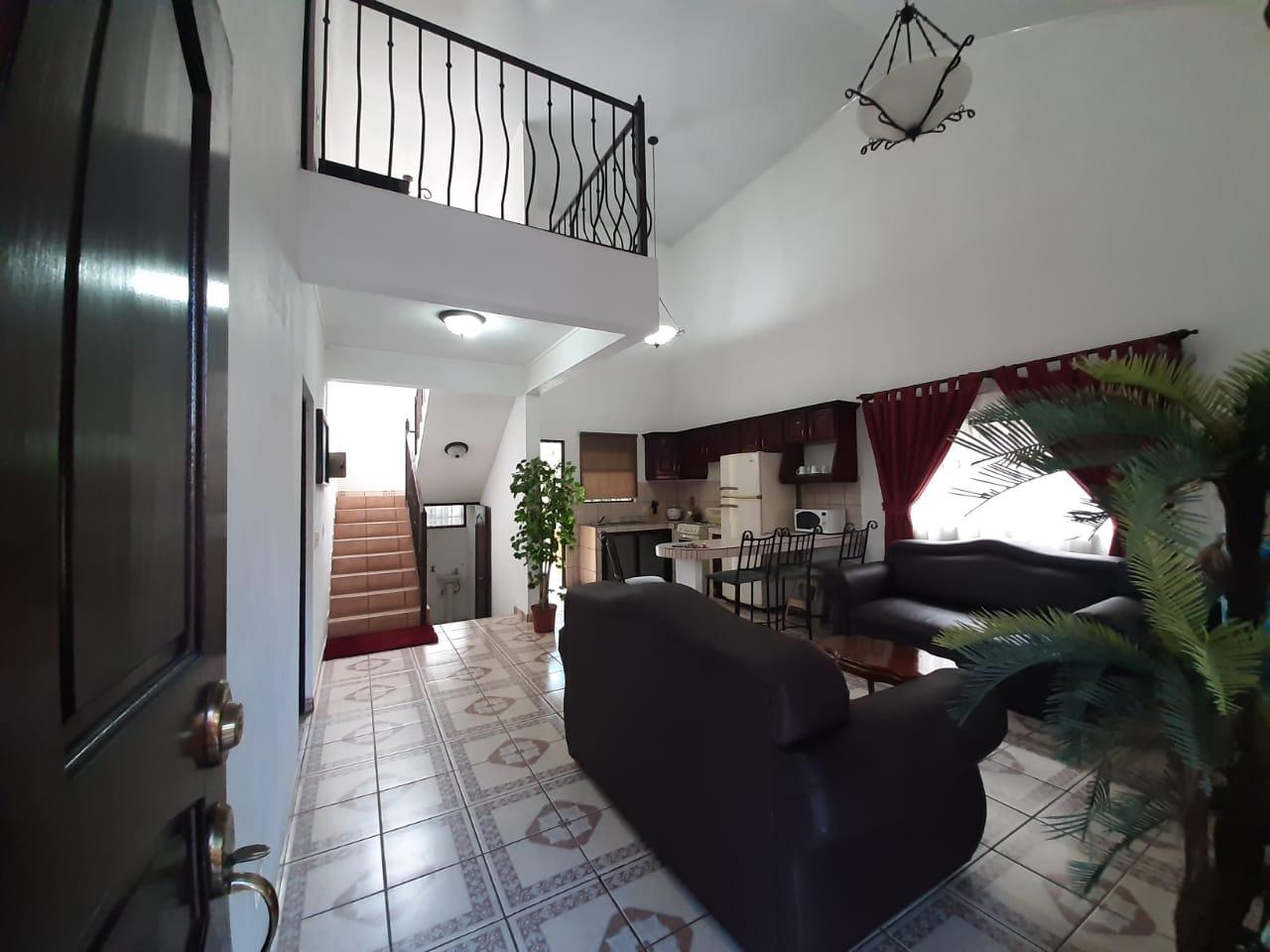 2789 Se alquila casa en Villa Roma, San Rafael de Heredia