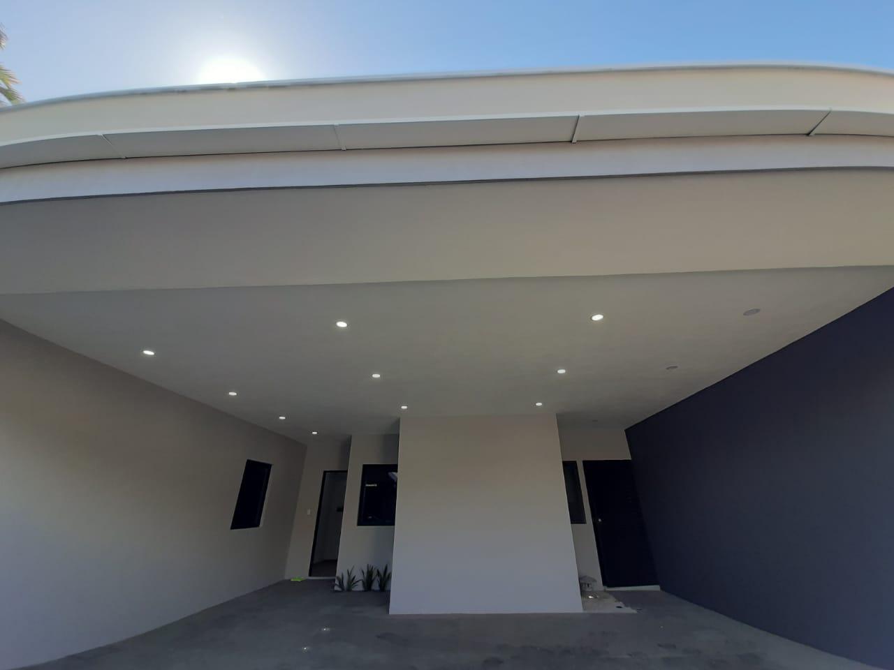 2786 Se vende propiedad con dos casas a estrenar Cubujuqui, Heredia.