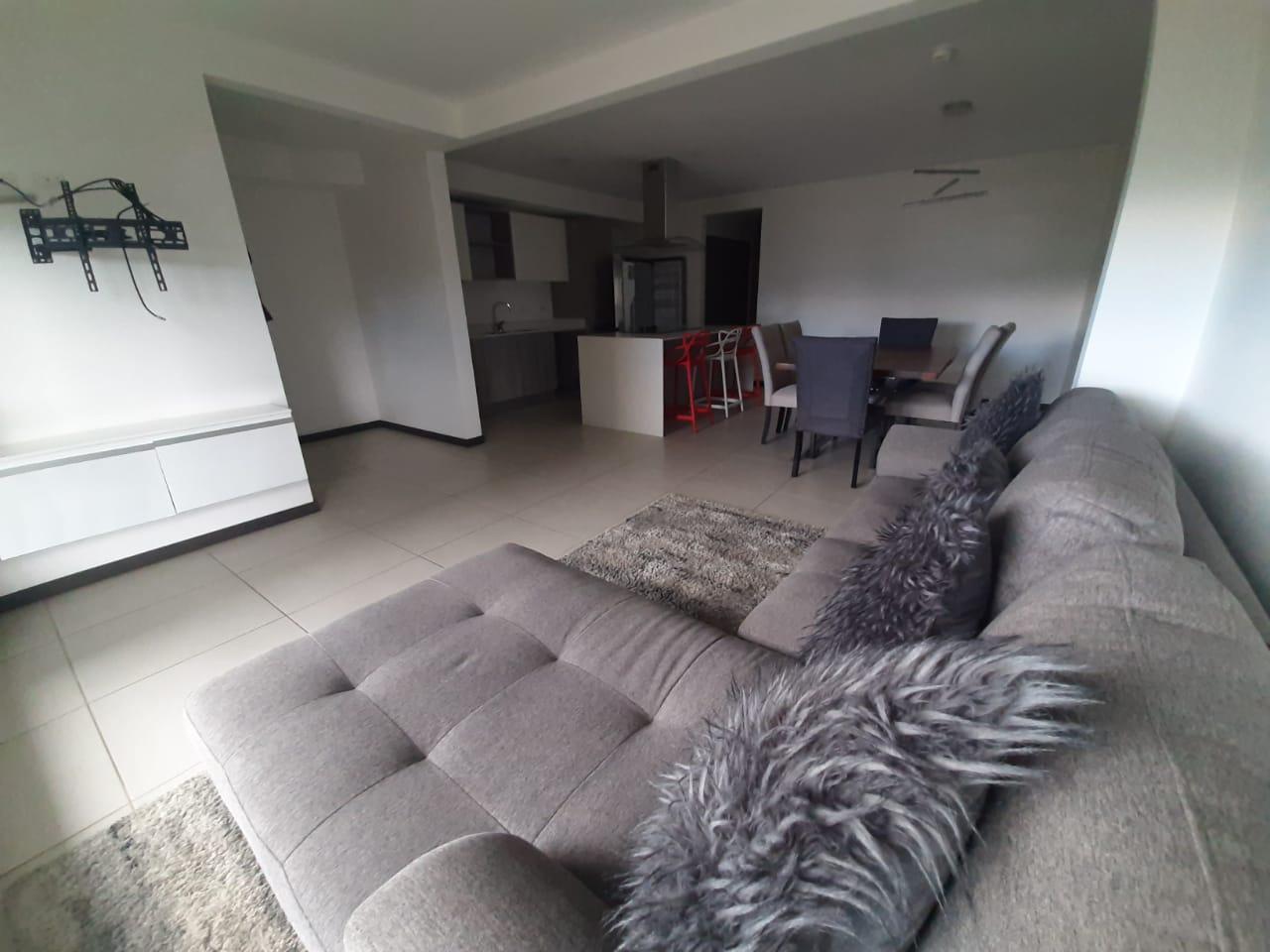 2848 Se alquila apartamento en San Antonio de Escazú